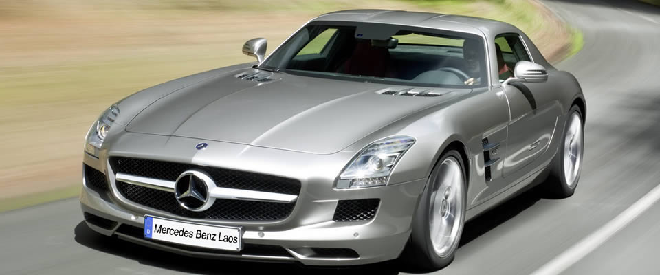 Mercedes Benz silver grey SLS AMG 2013